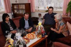 Oslava 100. narozenin p. Rohlíkové 10. 2. 2014