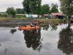 Odstraňování vodní vegetace na rybníku Valachovna - červen 2021